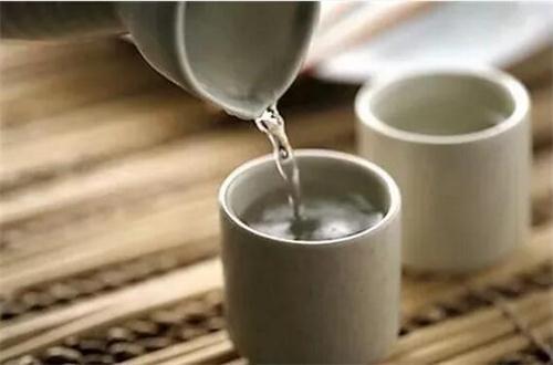 每种酒有适合的饮用温度
