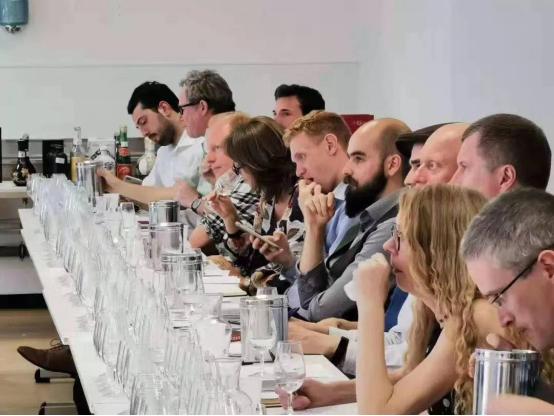 源坤英伦行,把酒共话中国白酒文化的国际传播之路